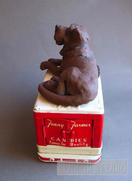 Chocolate Lab Sculpture Back